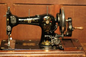 Jones Family sewing machine 4
