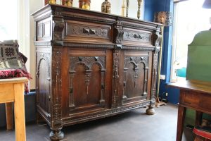 17th C Flemish oak cupboard