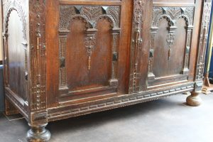 17th C Flemish oak cupboard 6