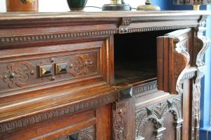 17th C Flemish oak cupboard 5