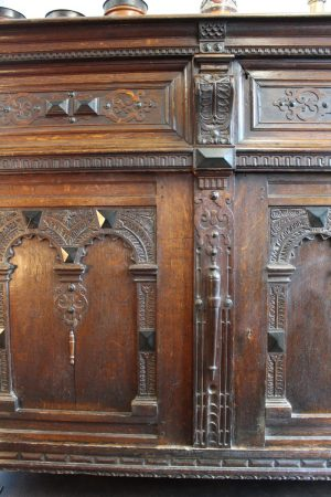 17th C Flemish oak cupboard 2