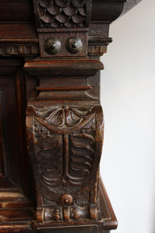 17th C Flemish oak cupboard 1