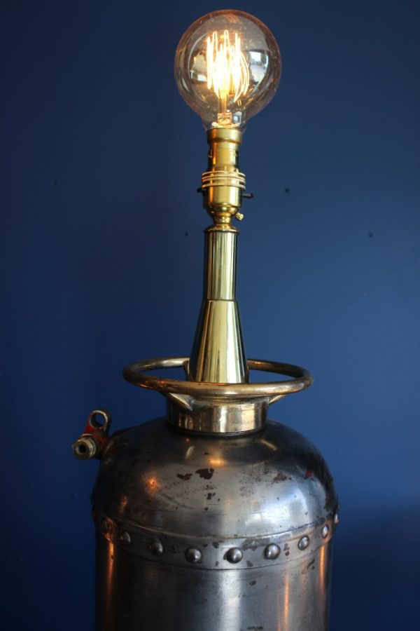Fire extinguisher lamp 60