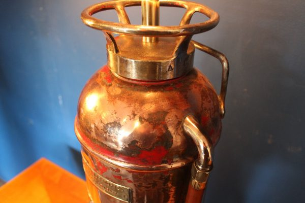 Fire extinguisher lamp 113