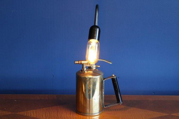 Brass lamp 100