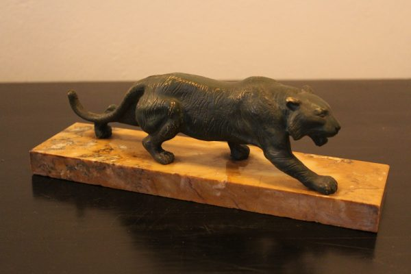 Bronze tiger on marble 1