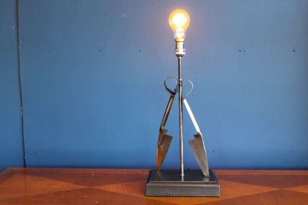 Wool shears lamp 21